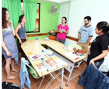 Op onze Spaanse talenschool bieden wij studenten een breed scala aan opties als het gaat om Spaanse lessen